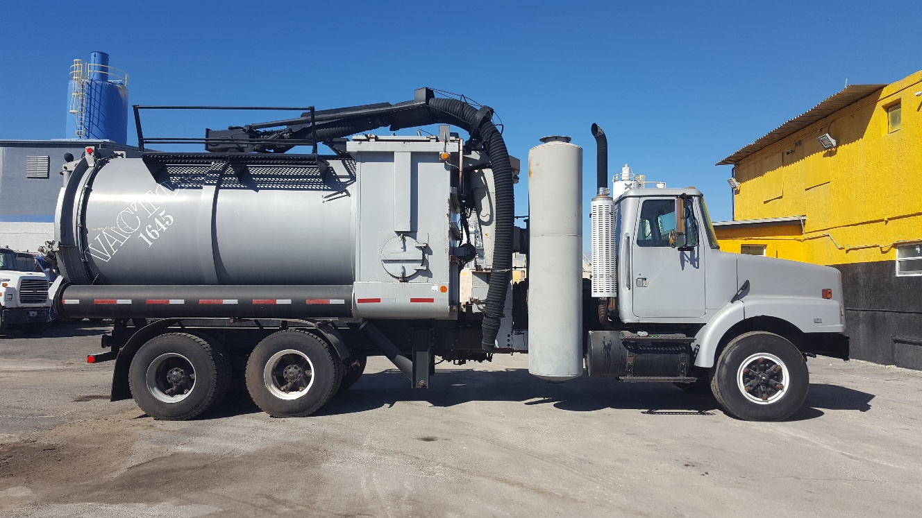 GMC/Volvo Vactor – Used Heavy Equipment For Sale Asphalt
